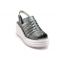af6a2a1a79d ---НА ЕДРО--- Дамски сандали на платформа модел 803