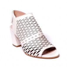 ---НА ЕДРО--- Дамски сандали модел 902